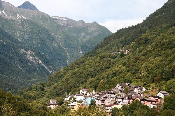 Горы, деревня во франции