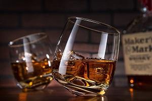 Бокалы с виски
