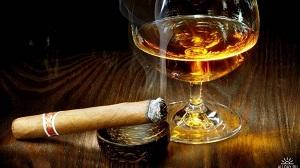 Сигара и стакан