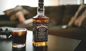 Виски и стакан