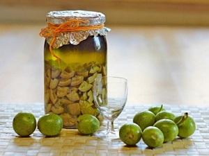 Настойка на грецком орехе